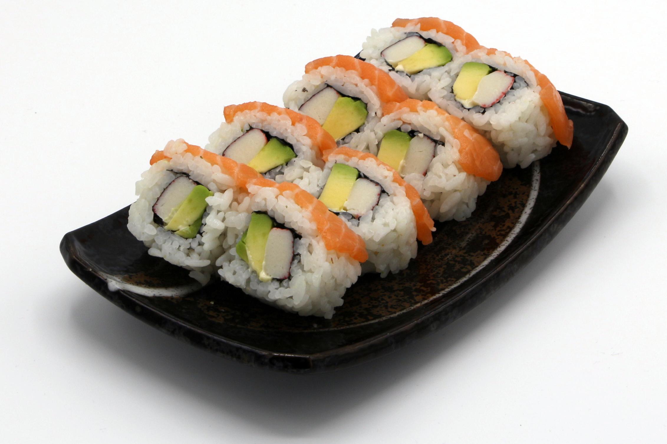 120 Cali Lachs Rainbow Sushi Mitarzu